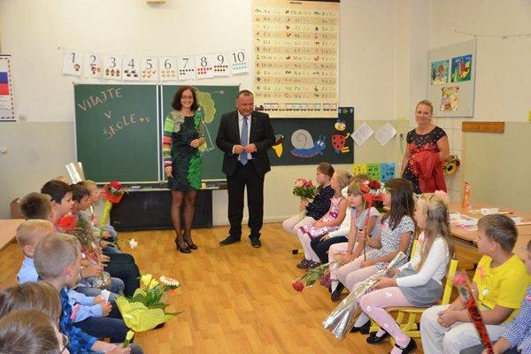 Martinský viceprimátor Imrich Žigo na otvorení školského roka v ZŠ na Jahodníckej ulici.