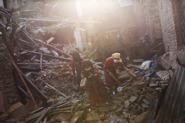 Ničivé zemetrasenie s magnitúdou 7,8 zasiahlo Nepál 25. apríla.