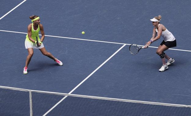 Ženskú štvorhru na US Open ovládol česko-americký pár.