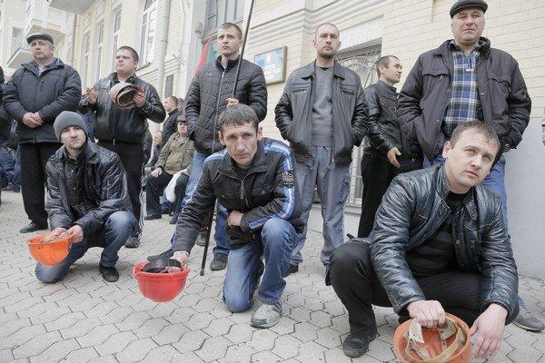 Podľa baníckej odborovej federácie sa zišlo na proteste až 5000 baníkov z celej Ukrajiny.