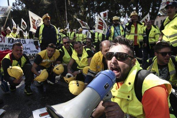 Demonštranti sa obávajú straty pracovných miest.