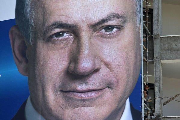 """Svoje """"veľké znepokojenie"""" nad rozhodnutím Moskvy vyjadril v stredu Putinovi osobne aj izraelský premiér."""