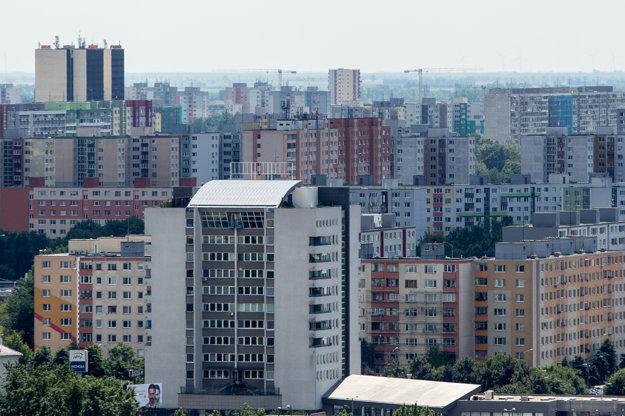 Absolútna cena starších bytov v Bratislave dosiahla v priemere 156.700 eur s DPH