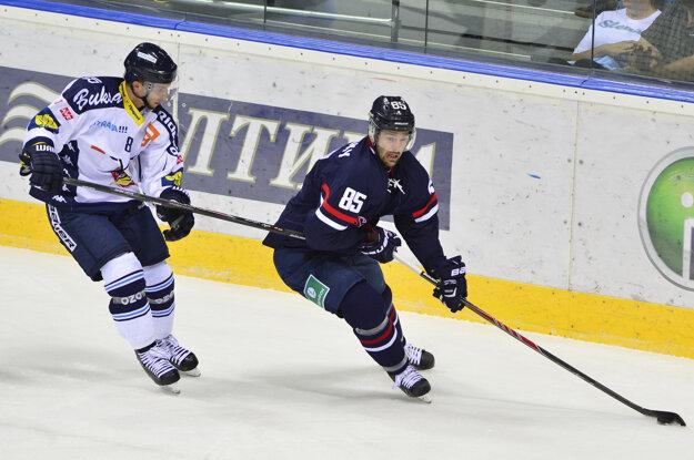 Ölvecký (vpravo) pôsobil istý čas kariéry aj v Slovane.