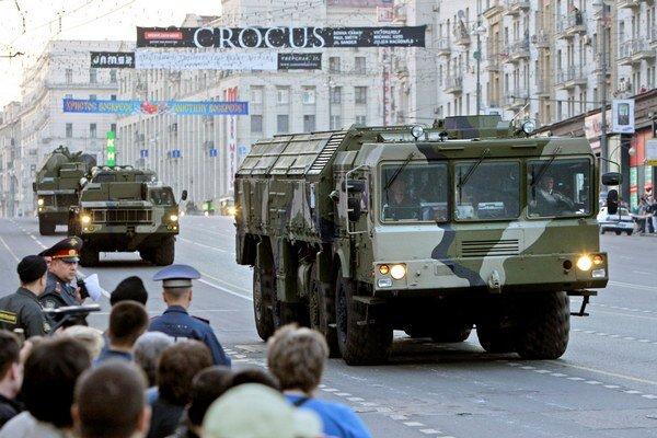 Rusko údajne rozmiestnilo v Kaliningrade mobilné raketové systémy.