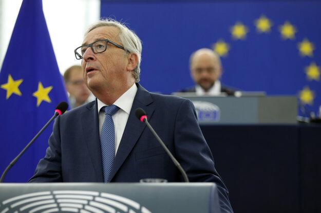 Juncker chce viac peňazí do ekonomiky EÚ, spoločnú obranu a užšiu spoluprácu.