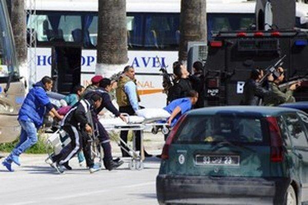 Útoky na tuniské múzeum sa odohrali 18. marca.