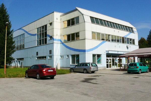 Plaváreň prešla výraznou rekonštrukciou vrokoch 2001 – 2008, stálo to viac ako dva milióny eur.