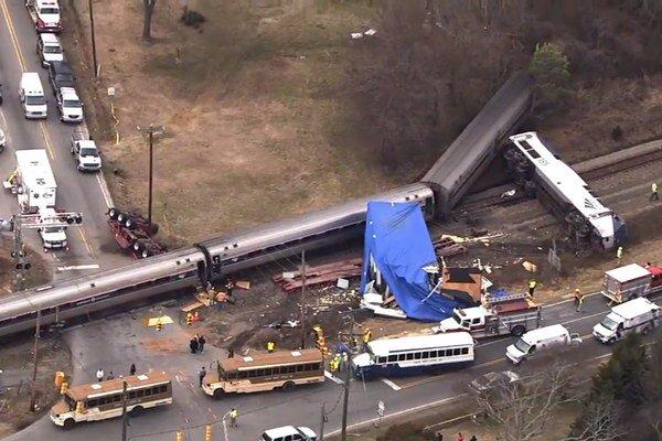 Kamión uviazol na priecestí, zrážke sa už nedalo zabrániť.