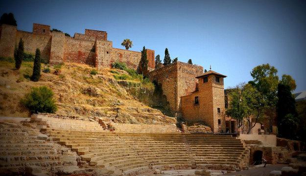 Pozostatky rímskeho divadla.