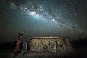Masajský bojovník odovzdáva svoje vedomosti o hviezdach synovi. Vysoké uznanie v kategórii Ľudia a vesmír.