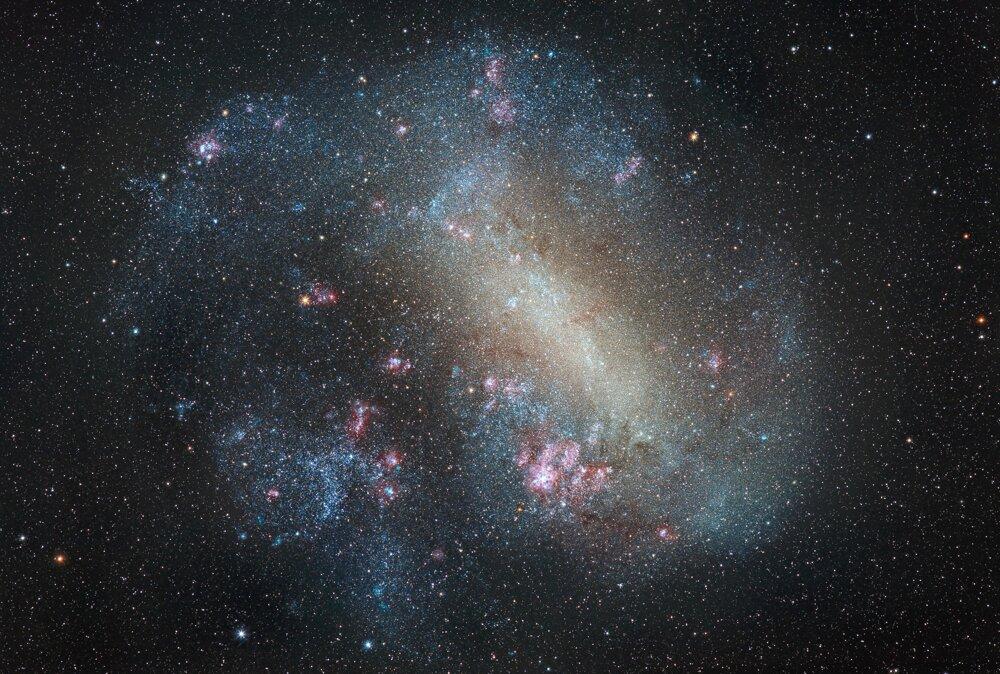 Veľký Magellanov mrak, satelitná galaxia Mliečnej cesty – špeciálna Cena sira Patricka Moora pre nováčika.