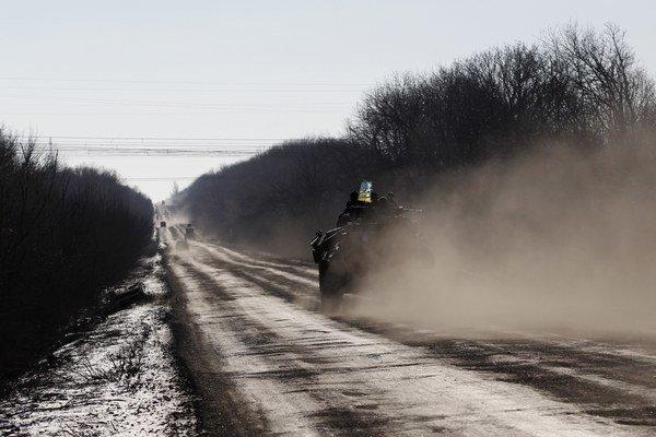 Ukrajinská armáda opúšťa Debaľcevo.