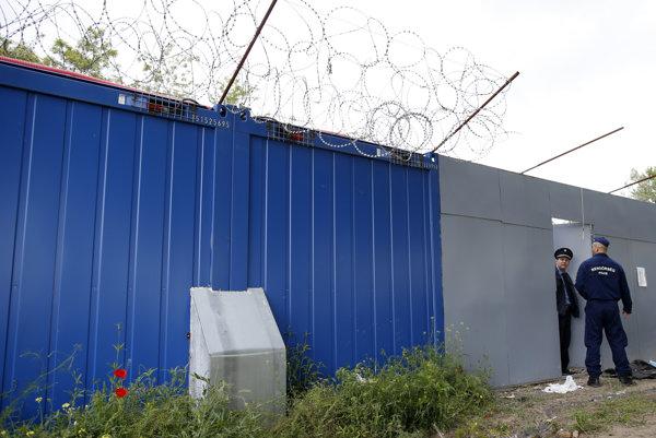 Hraničný plot medzi Maďarskom a Srbskom.