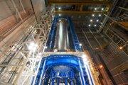 Konštruktéri práve dokončili zváranie tanku pre kvapalný vodík, ktorý bude poskytovať palivo pre prvé lety v roku 2018. Nádrž tvorí takmer dve tretiny hlavného stupňa rakety a dokáže udržať až 537-tisíc litrov kvapalného vodíka, ktorý je chladený na - -253 stupňov Celzia.