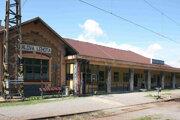 V železničnej stanici Kráľova Lehota vybudovali prvé reléové staničné zabezpečovacie zariadenie vČeskoslovensku.