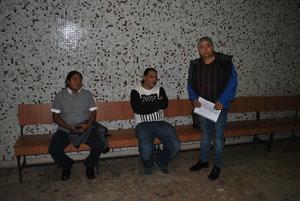 Poškodení na súde. Zľava José, Rudolf a Octavio.