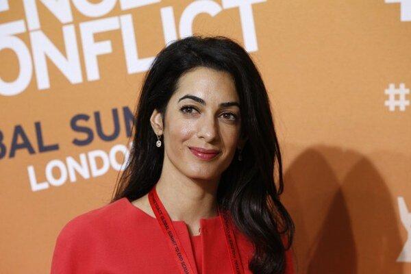 Amal Clooneyová zastupovala Juliana Assangea aj Juliu Tymošenkovú.