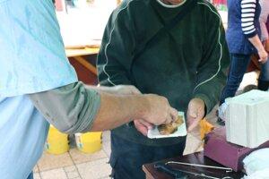 Na podujatí bol veľký záujem aj o údené ryby.