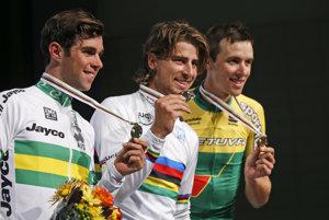Peter Sagan bude v Dauhe obhajovať zlatú medailu z Richmondu. Tam zvíťazil pred Michaelom Matthewsom (vľavo) a Ramunasom Navardauskasom.