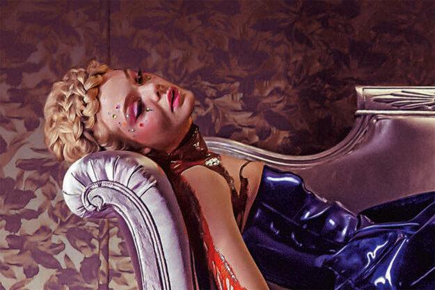 Posadnutosť krásou nemôže dopadnúť dobre, hovorí Refn, preto je film Neon Demon hororom.