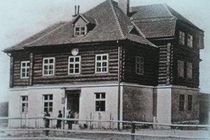 Na mieste pôvodnej chaty dnes stojí moderný hotel.