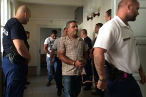 Súd nariadil vyšetrovaciu väzbu štvorice z kauzy tragédie migrantov.