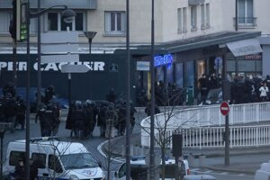 Zásah v kóšer potravinách v Paríži.