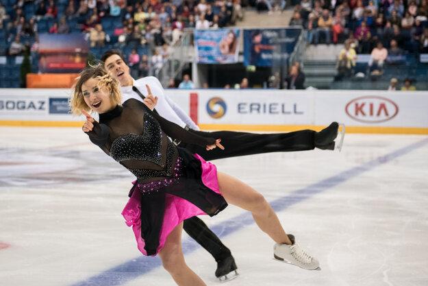 Lukáš Csölley a Lucie Myslivečková absolvovali súťažnú premiéru.