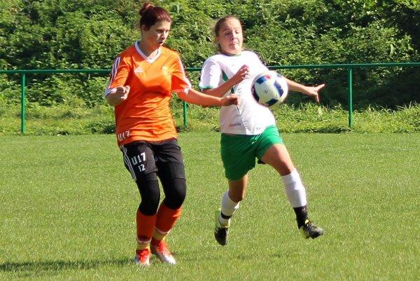 Oravský Podzámok (v bielom) prehral doma proti Ružomberku.