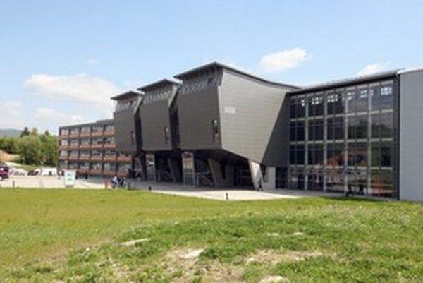 Žilinská univerzita patrí podľa Akreditačnej komisie medzi najlepšie na Slovensku.
