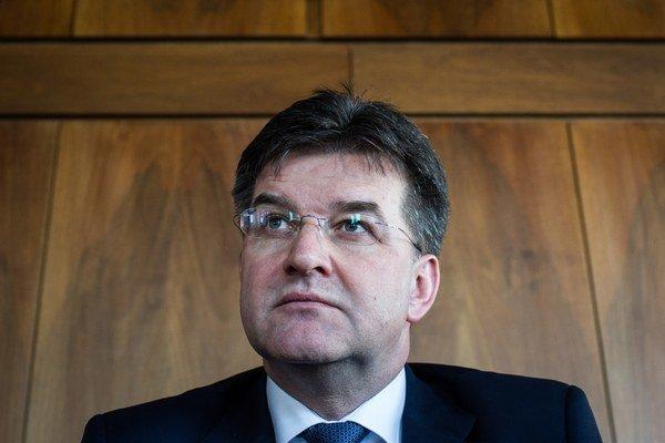 Minister zahraničných vecí Miroslav Lajčák už inicioval vnútroštátnu procedúru, ktorá má smerovať k uznaniu oboch jazykov za menšinové jazyky v Slovenskej republike.