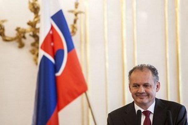 prezident Andrej Kiska má do funkcie vymenovať jedného z nich.