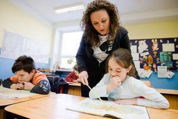 Celkovo 6 167 žiakov na 198 základných školách na Slovensku sa zapojí od budúceho týždňa do medzinárodného testovania TIMSS 2015.