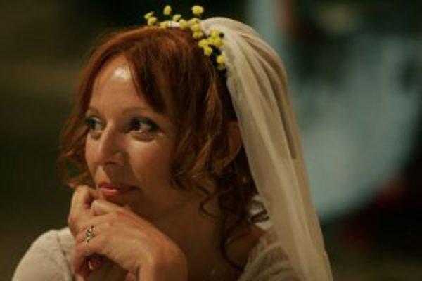 Hlavnú ženskú rolu vo filme Marhuľový ostrov hrá Szidi Tobias.