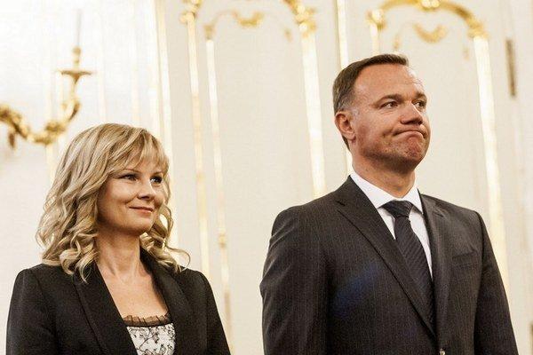 Minister Čislák so svojou predchodkyňou Zuzanou Zvolenskou.