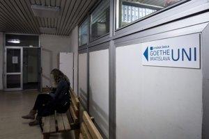 Vysokej škole Goethe Uni Bratislava hrozí zánik.
