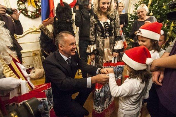 Prezident s deťmi.