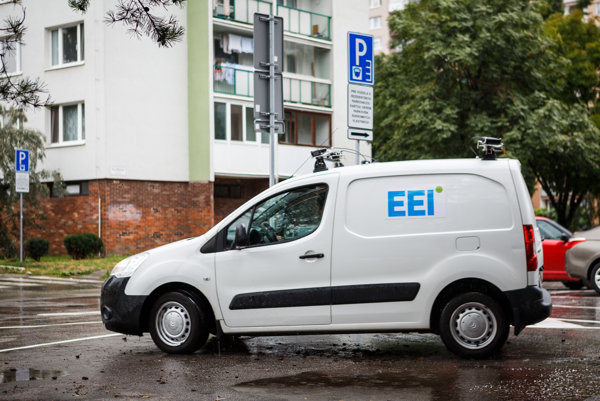 Monitorovacie vozidlo EEI. Na kontrolu zaplatenia za parkovanie ho už idú mestskí policajti využívať naostro.
