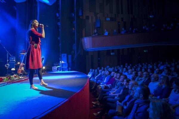 Jana Kirschnerová koncerty na turné Takmer sólo vypredala.