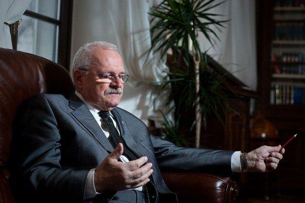 Ivan Gašparovič má spor na Ústavnom súde.