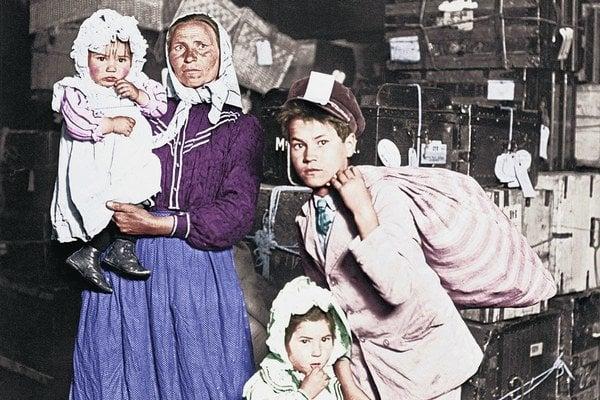 Pred sto rokmi sa zavŕšila veľká vlna vysťahovalectva, ktorá so sebou odniesla do Ameriky státisíce Slovákov.