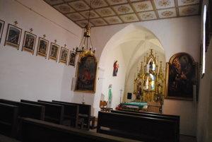 Interiér kostola v Brutovciach.