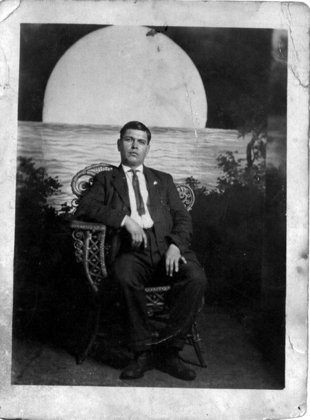Svojho deda, hrdinu básne Srdcový kráľ, poznal Ľubomír Feldek iba z fotografie.