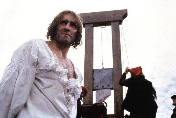 Vo Francúzsku nakrútil Andrzej Wajda film Danton o revolúcii. Hlavnú úlohu v ňom hrá Gérard Depardieu.