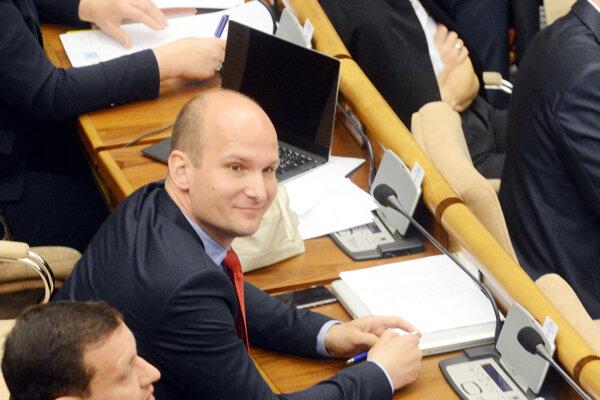 Poslanec Gábor Grendel.