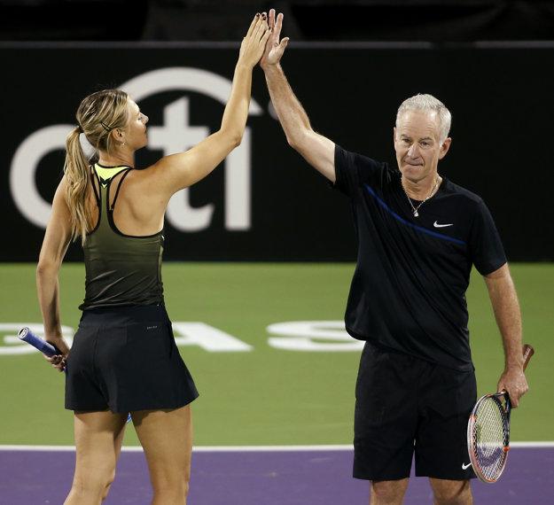 Ruská tenistka nastúpila v exhibícii aj s Johnom McEnroeom