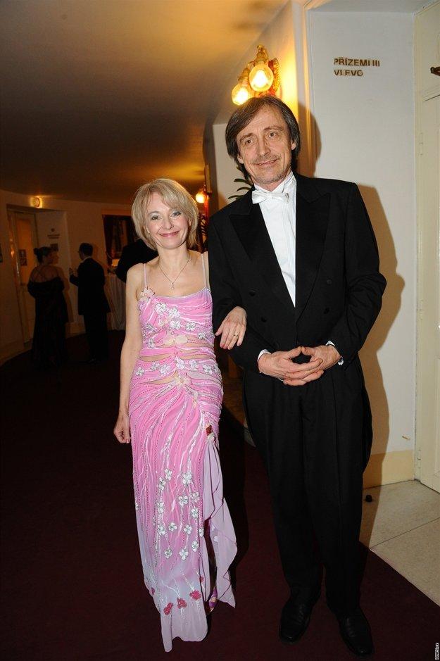 Obchádzali sa dvadsať rokov. Nakoniec sa Žilková a Stropnický vzali.