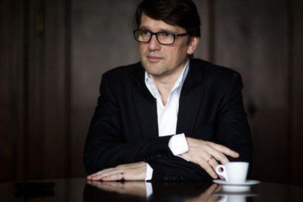 Minister kultúry Maďarič.