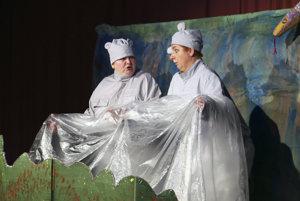 Deti v Kľačne sa môžu tešiť aj na divadielko o dvoch hrochoch.